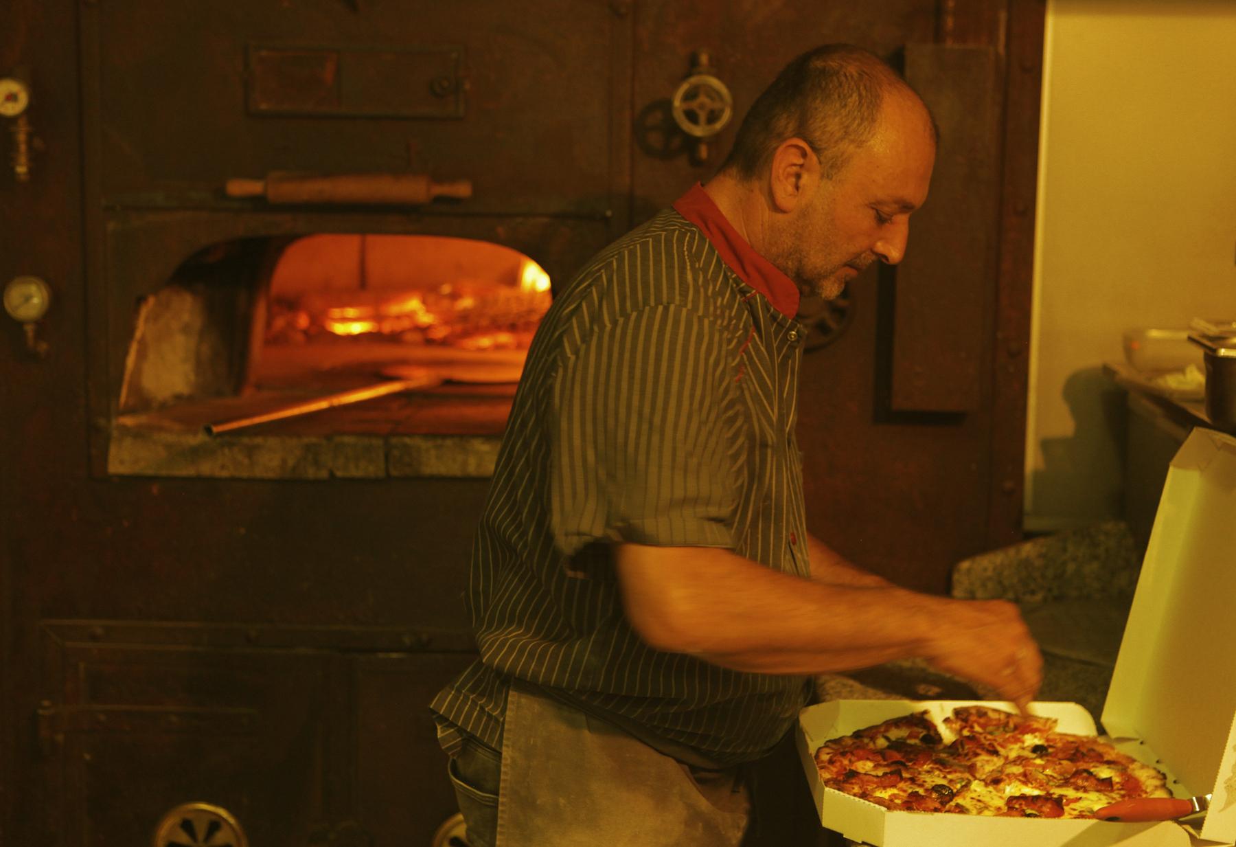 Pizzeria-Di-Napoli-46